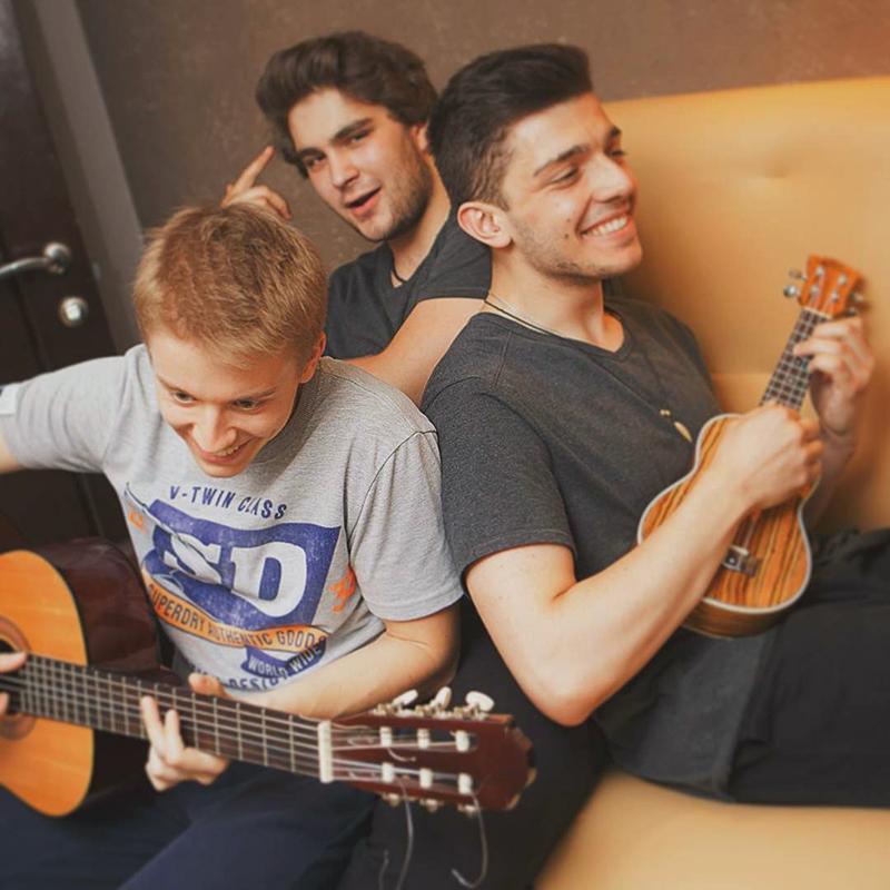 Александр, Гордей и Аким не забыли про музыку. Сейчас закупают оборудование в собственную студию для записи первого альбома
