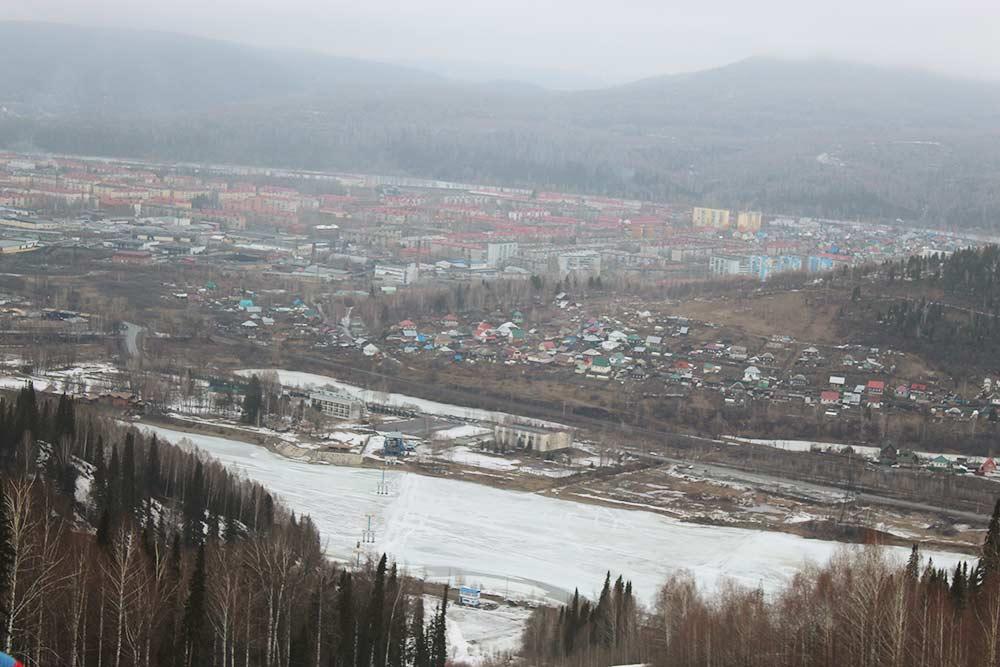 Вид на Междуреченск с горы Югус