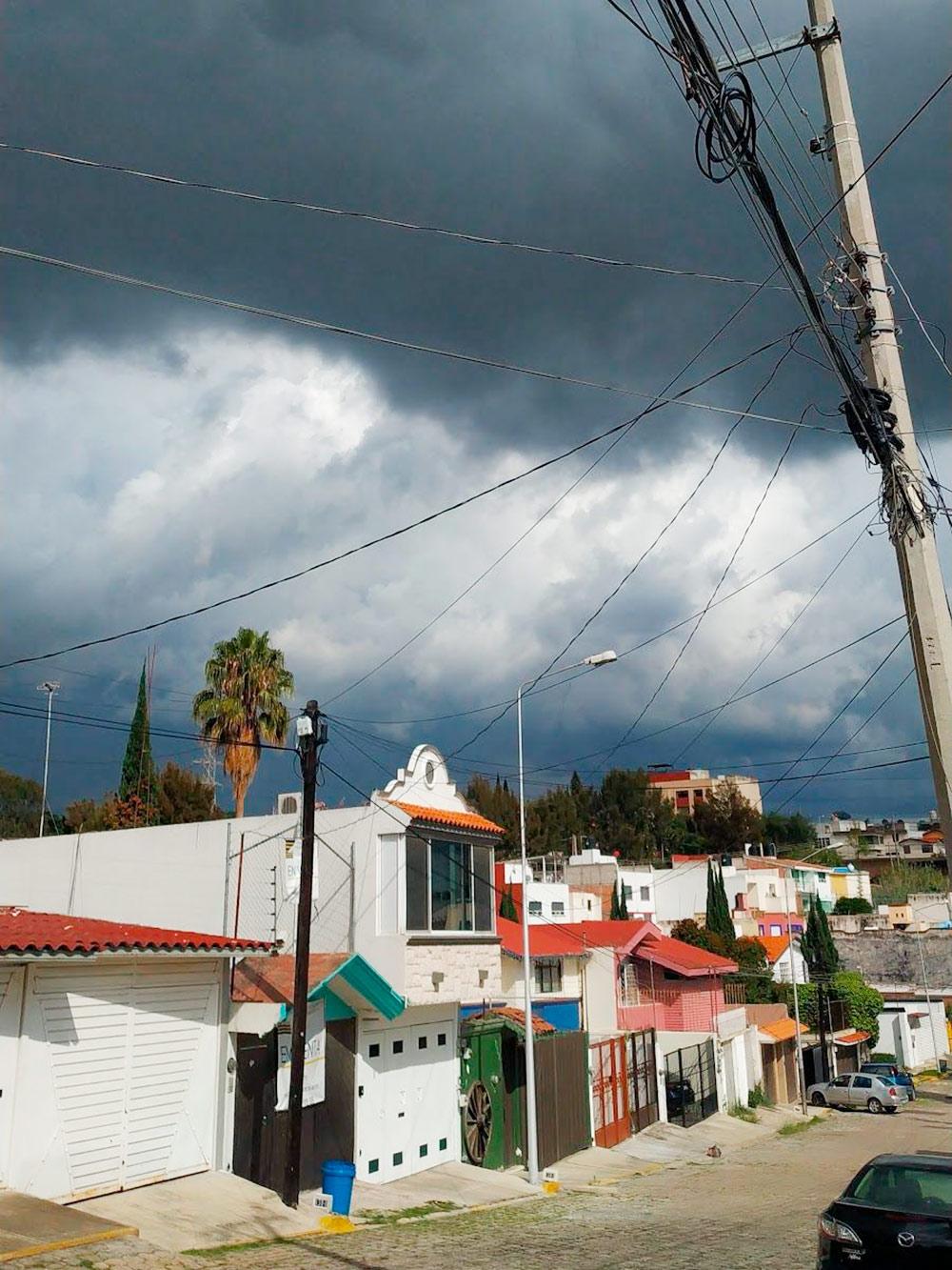Частая картина на небе в сезон дождей