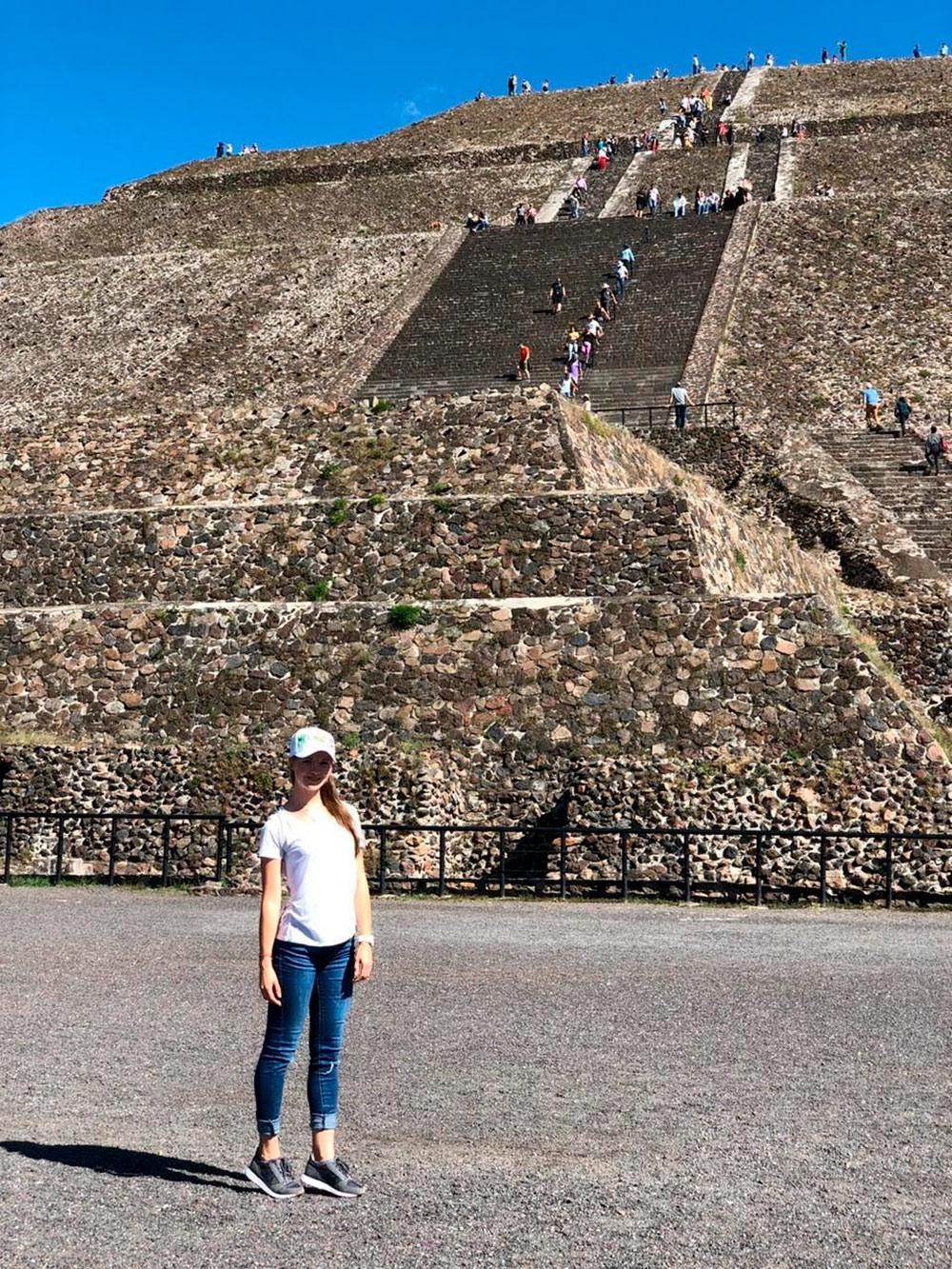 Пирамида Солнца в древнем городе Теотиуакан