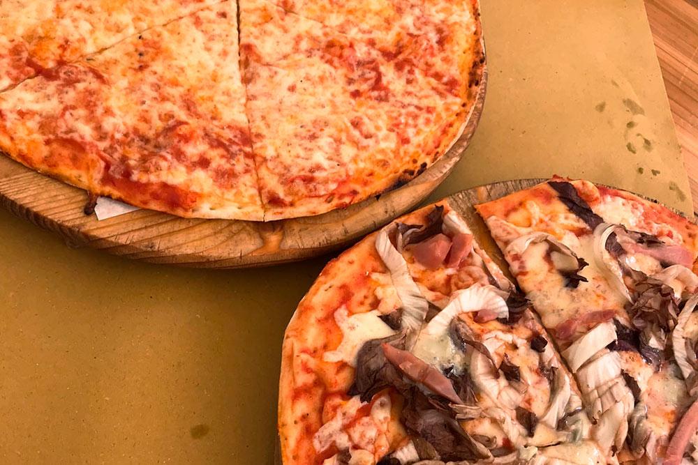 Итальянскую пиццу мы пошли пробовать сразу наследующий день после приезда