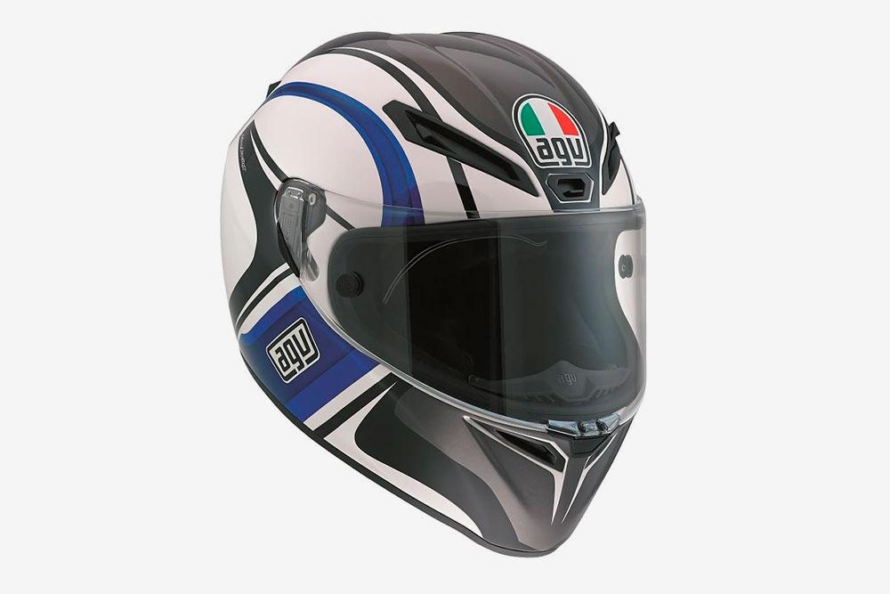Мой шлем итальянской фирмы AGV стоил 8000<span class=ruble>Р</span>. Покупала б/у, но он удачно подошел по&nbsp;цветовой гамме к&nbsp;остальной одежде. Некоторые мотоциклисты выбирают шлемы поярче: так их лучше видно в&nbsp;потоке транспорта