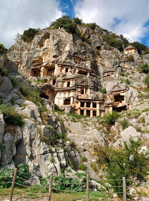 Захоронения древних ликийцев