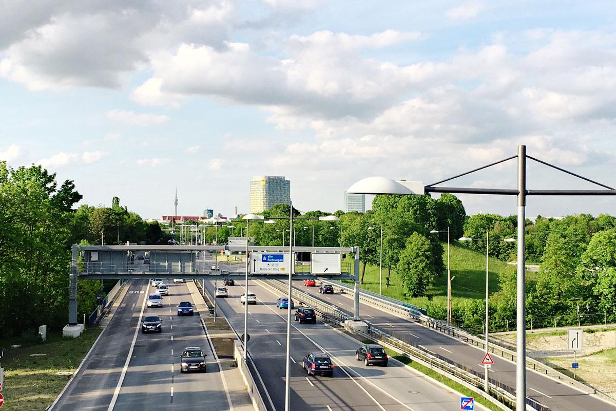 Пробки в городе случаются строго по расписанию: в утренний и вечерний часы пик