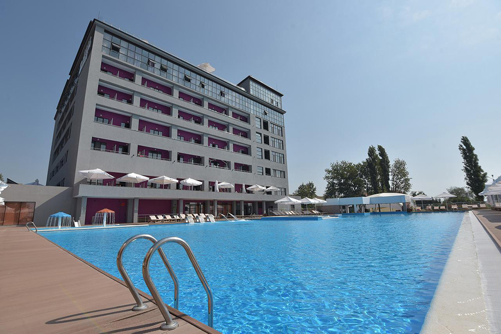 Источник: Beton Brut All Inclusive & Spa Hotel in Miracleon / Booking