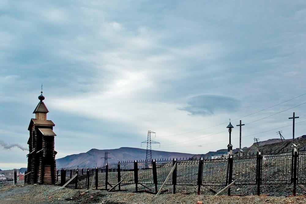 Норильская Голгофа — мемориал жертвам политических репрессий. Автор: Vladimir B.Aleksandrov/ Shutterstock.com