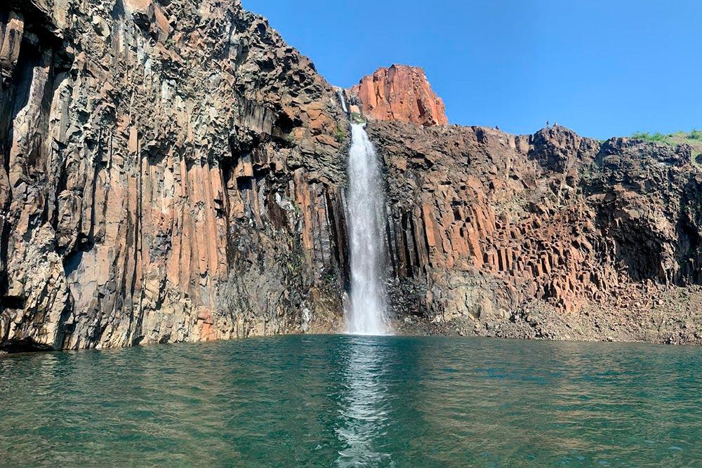 Водопад наКрасных Камнях