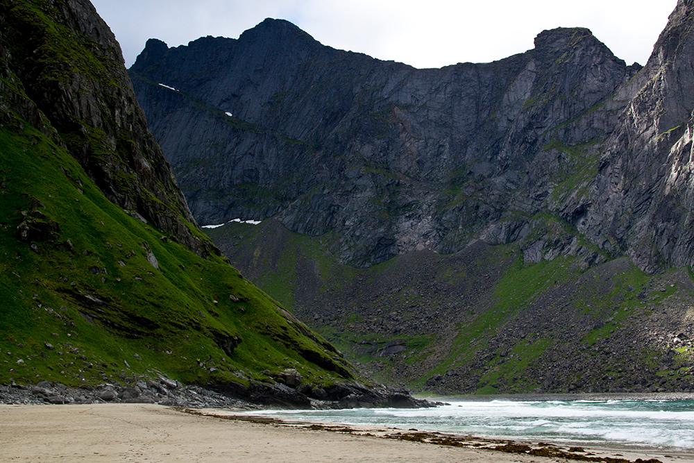 На пляже у меня было ощущение, будто я попал на необитаемый остров