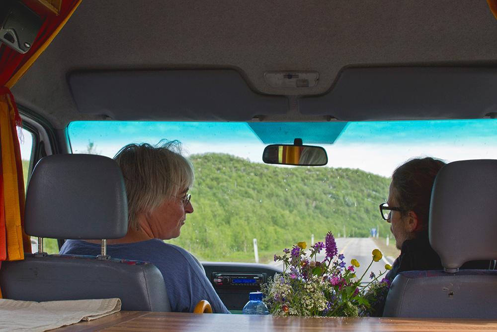 Эта пенсионерка из Нидерландов путешествует по Норвегии в своем доме на колесах