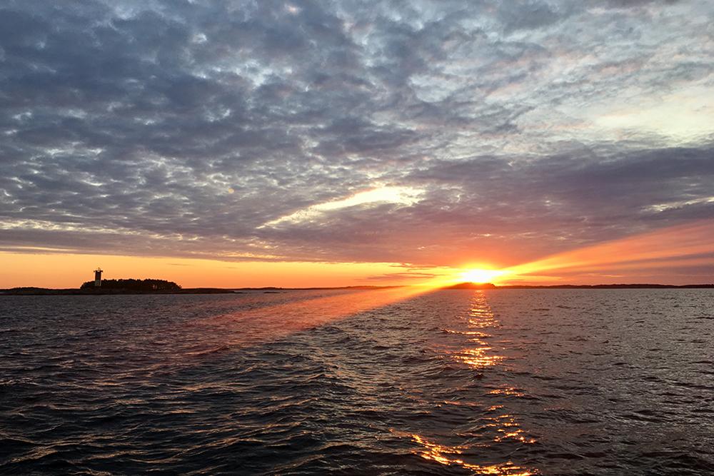 Рассвет рядом с финским городом Ханко