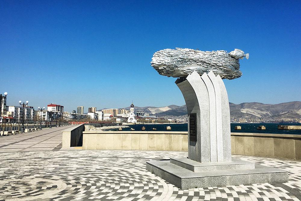 Памятник черноморской хамсе— тоже часть истории. Вголодные годы уловы хамсы помогали населению выжить