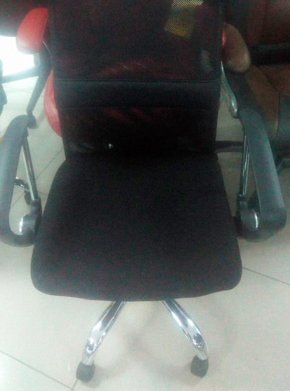 Мои снабженцы предлагали купить такие кресла по 10 700<span class=ruble>Р</span>, а можно было — в два раза дешевле