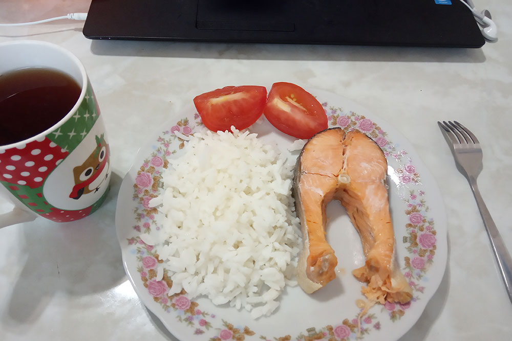 Обедаю дома