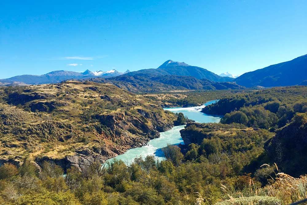 Река Бакер — известное место среди профессиональных каякеров