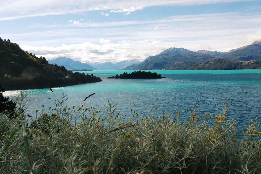 Вид на озеро Хенераль-Каррера, когда продолжил свой путь автостопом по трассе Аустраль