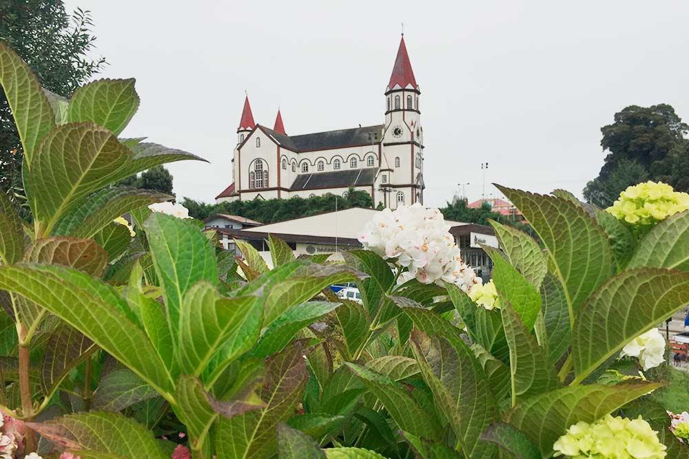 Типичная архитектура для Пуэрто-Вараса. Католический собор