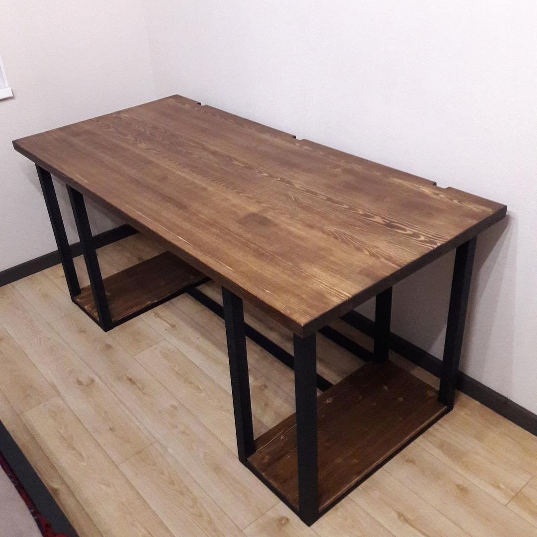 Письменный стол на три монитора, массив 40 мм, сталь 40 мм. За него заплатили 27 200<span class=ruble>Р</span>