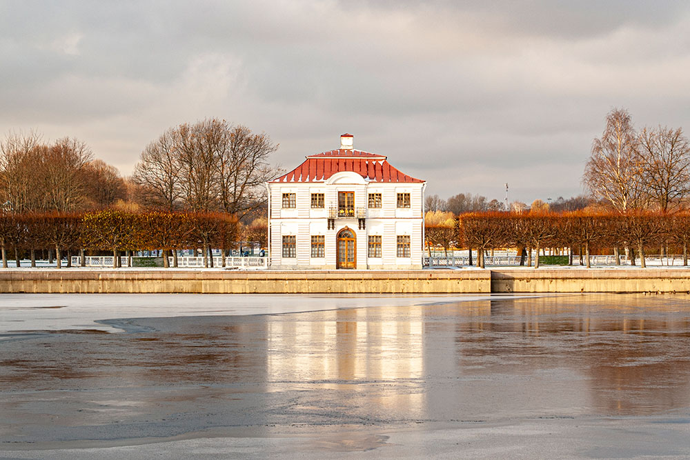 Зимой дворец Марли завораживает меня тишиной и безлюдностью