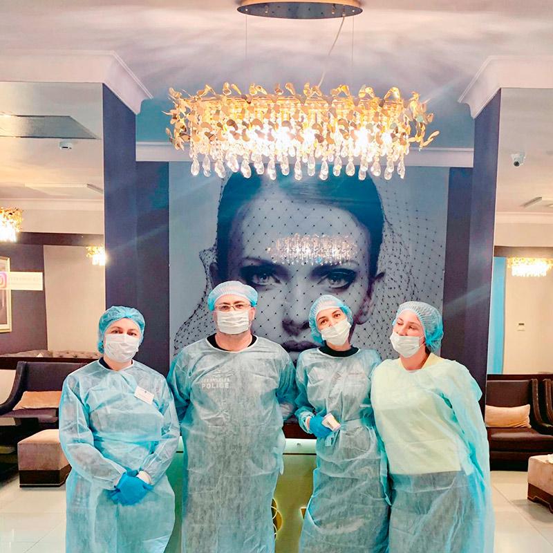 Клиника работает по ОКВЭДу салона красоты, потому что большую часть услуг мы оказываем в косметологии