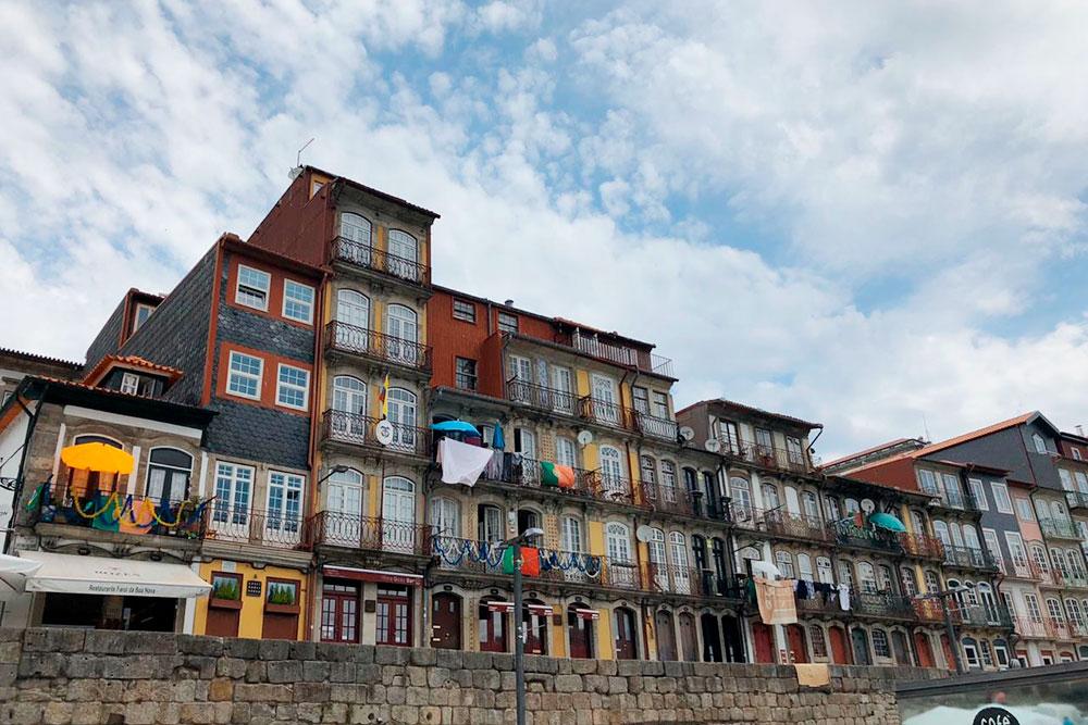 Португальцы ярые патриоты: практически на каждом здании есть флаг страны
