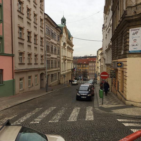 Прага, как и вся Чехия, стоит на холмах. Даже пешая прогулка по городу порой доставляет трудности