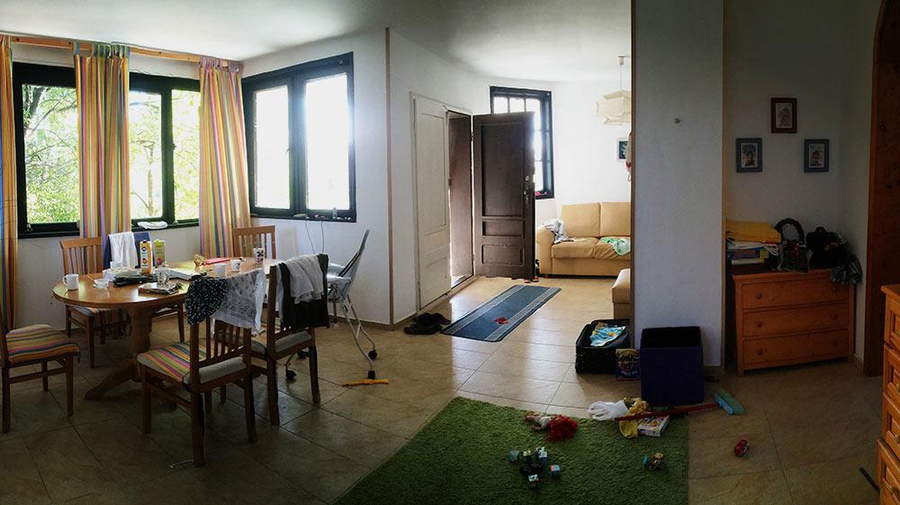 Та самая гостиная в Болгарии, что сподвигла нас искать другое жилье