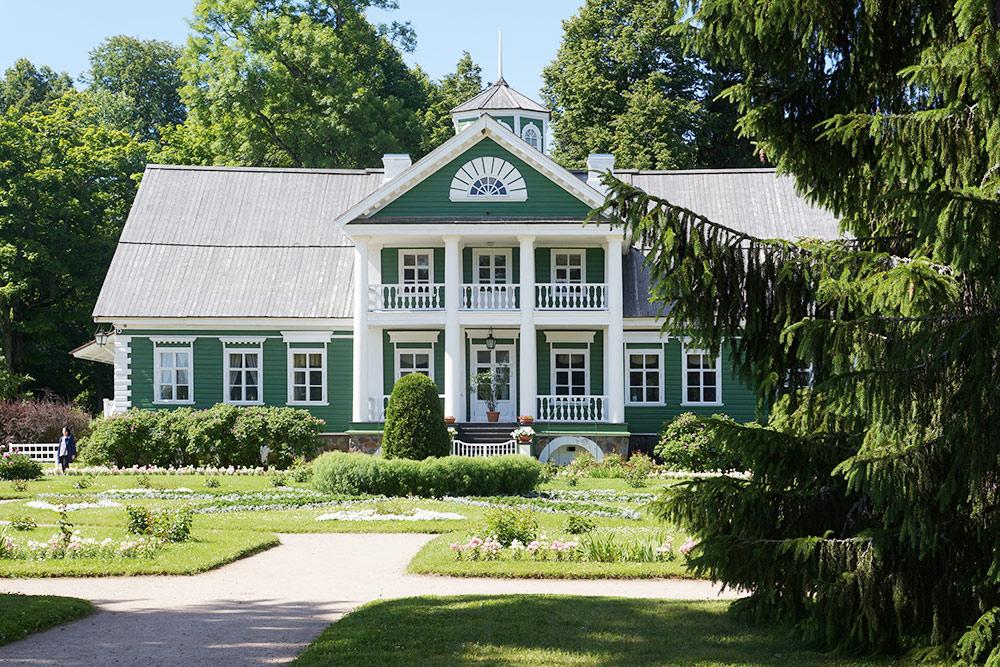 Дом Петра Абрамовича Ганнибала, которого Пушкин называл «старым арапом»