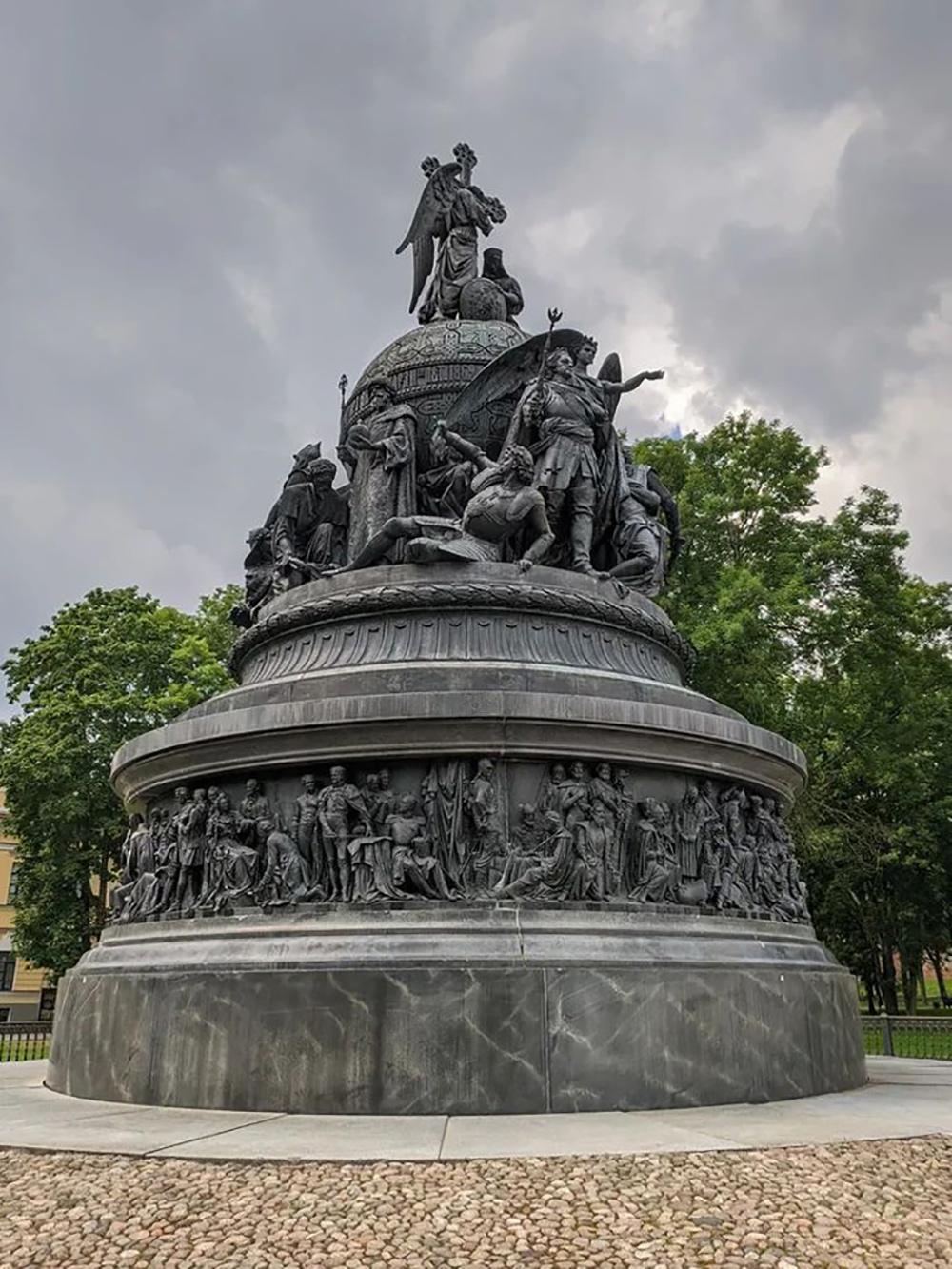 Памятник «Тысячелетие России» понравился еще во время учебы в школе, в реальности он впечатлил гораздо больше