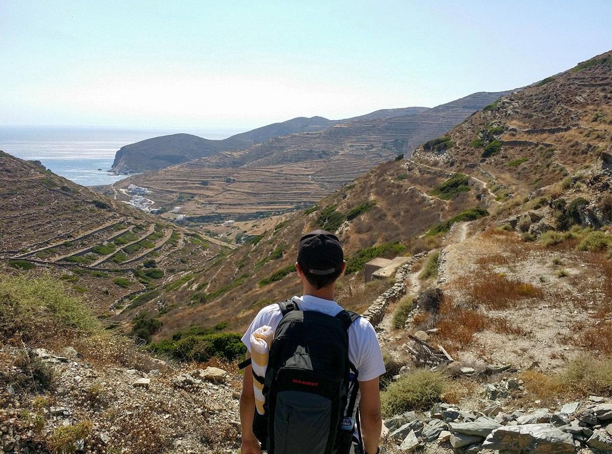 На Агали мы шли через горы, а возвращались на автобусе