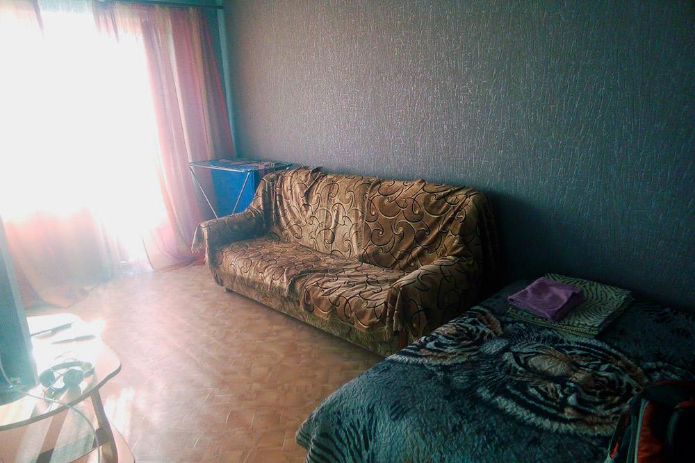 Квартира в Йошкар-Оле. В моей ценовой категории — до 1000<span class=ruble>Р</span> за сутки — все съемные квартиры на маршруте выглядели примерно так