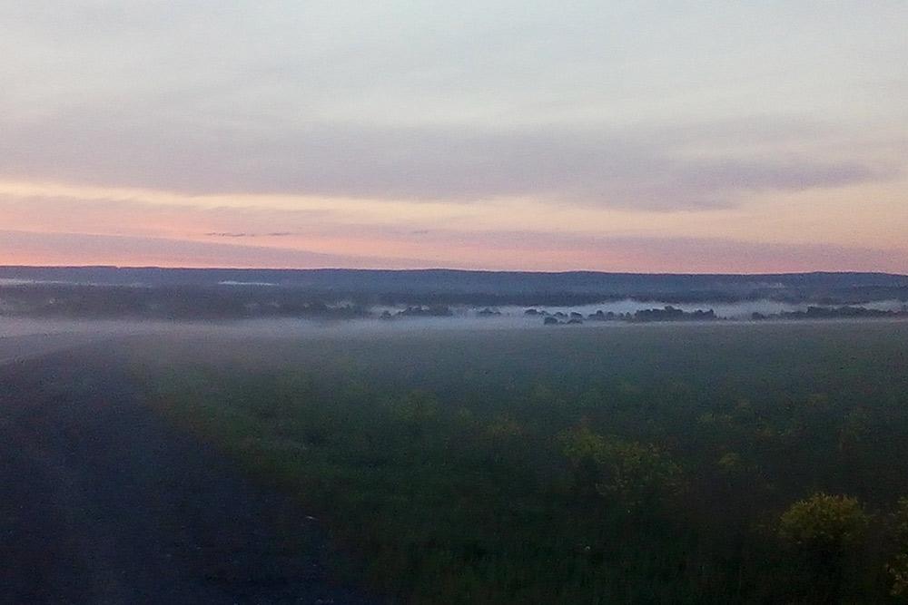 Ачитский район, раннее утро. Кажется, вот-вот из тумана выйдут назгулы
