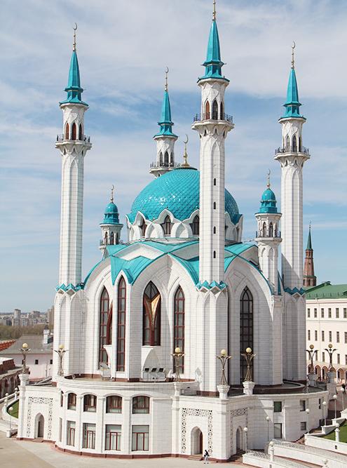 Мечеть Кул-Шариф была открыта в 2005 году, но гармонично вписалась в ансамбль Кремля