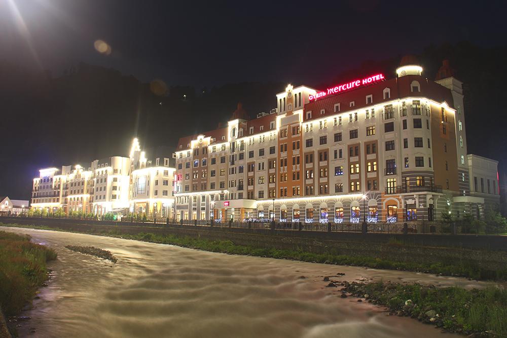 Архитектура на «Розе Хутор» напоминает курорты Швейцарии и Карловых Вар