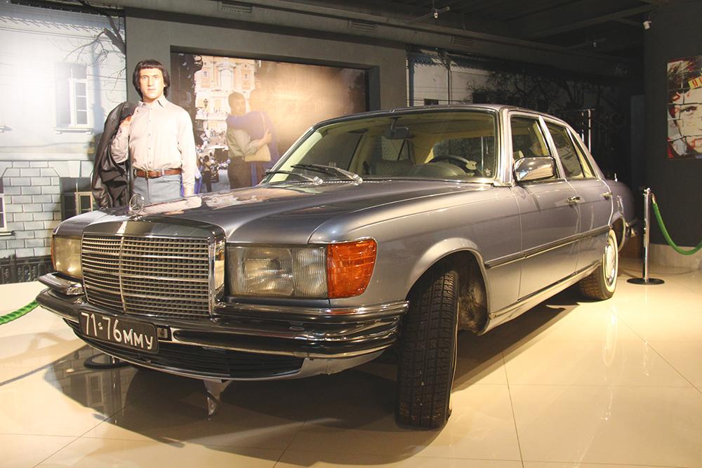 Мерседес-Бенц W116 с автоматической коробкой передач — одна из последних и самая известная машина Высоцкого