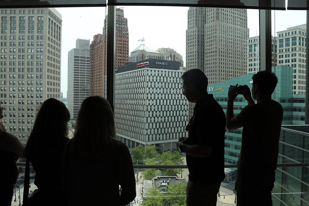 Слушаем экскурсию окоммерческой недвижимости Детройта