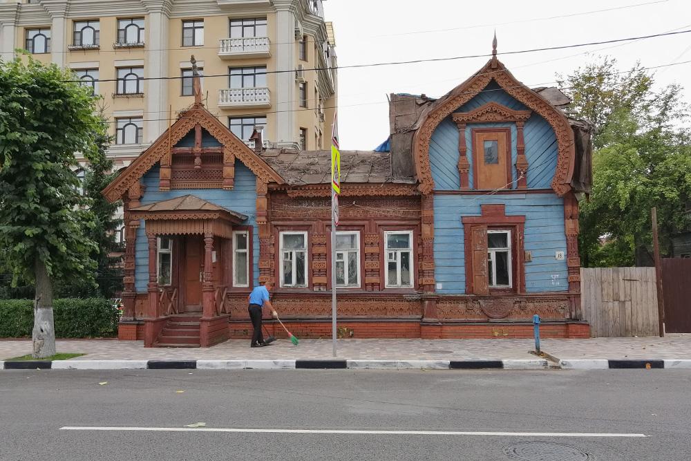 Городская усадьба на улице Щедрина. Первый ее владелец — генерал Соболев. После него здесь жил изобретатель радио Попов