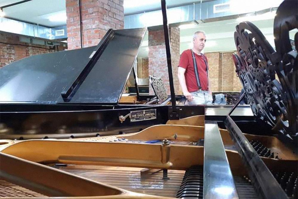В коллекции Алексея Ставицкого 57 инструментов. На некоторых мастер разрешает играть посетителям музея. Источник: группа музея в «Фейсбуке»
