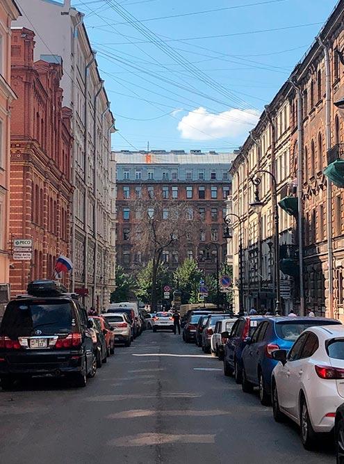 Такие улицы в европейском стиле — мои самые любимые в Петербурге