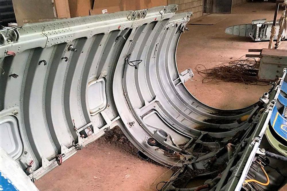 Загрузка деталей Ту-134, Ту-154 и Ан-26 иихдоставка домастерской вМоскве. Сложнее всего было оформить списание деталей. Убухгалтерии завода наэто ушло несколько недель