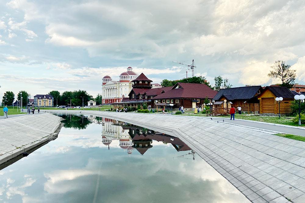 Набережная реки Саранки и вид на «Мордовское подворье»