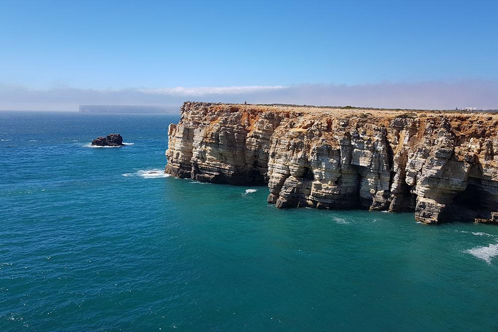 В Португалии постояла на краю континента