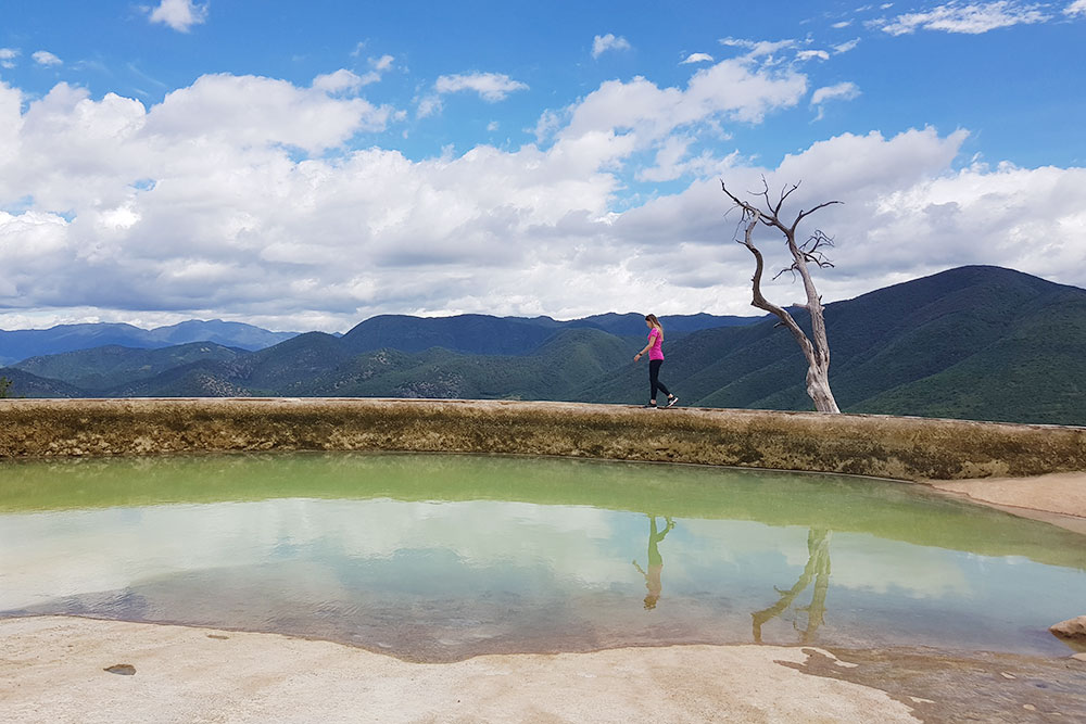 В Мексике любовалась природными бассейнами и инопланетными красками в заповеднике Иерве-дель-Агуа