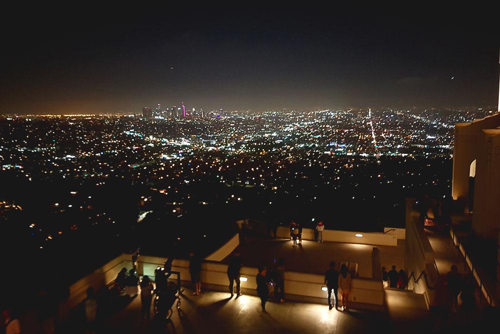 В Лос-Анджелесе я жила в хостеле в 25 минутах ходьбы от обсерватории Гриффита. Пару раз добегала до нее по утрам