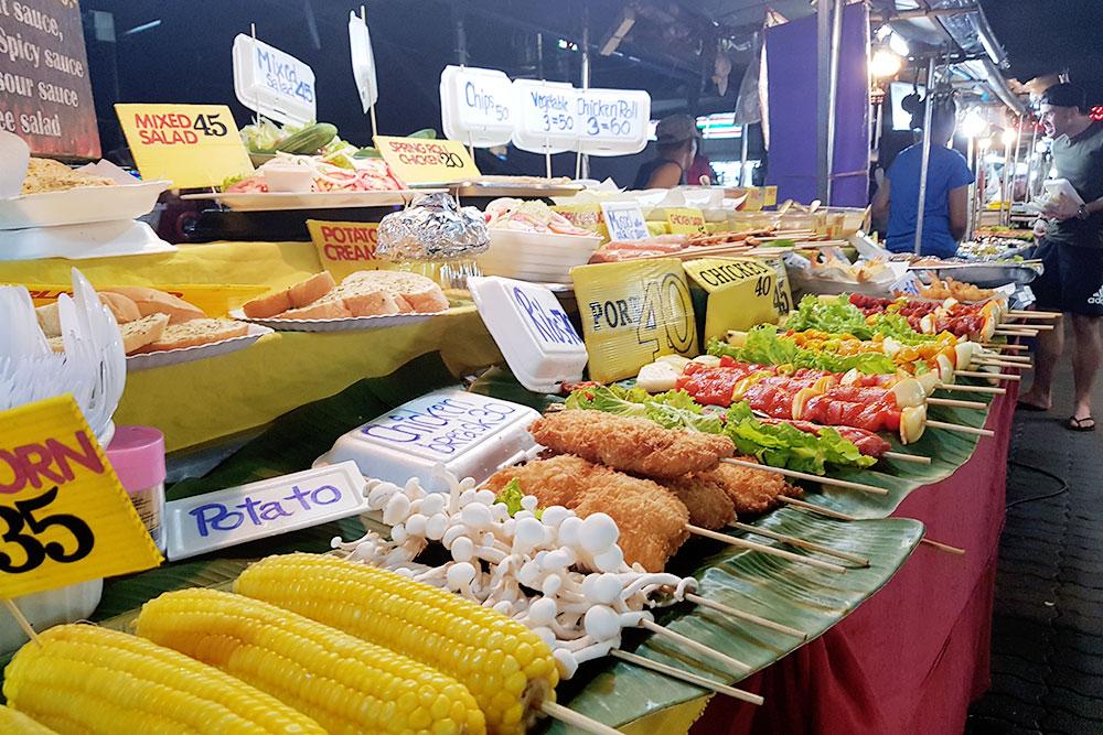 Ночной рынок на острове Самуи, Таиланд