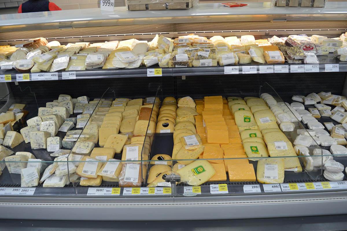 Большой выбор сыров, но нужный сорт есть не всегда