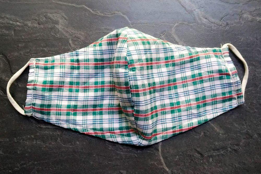 Эту маску якогда-то купила воВьетнаме: там ихпринято носить даже внепандемий, длязащиты отвыхлопных газов исолнца