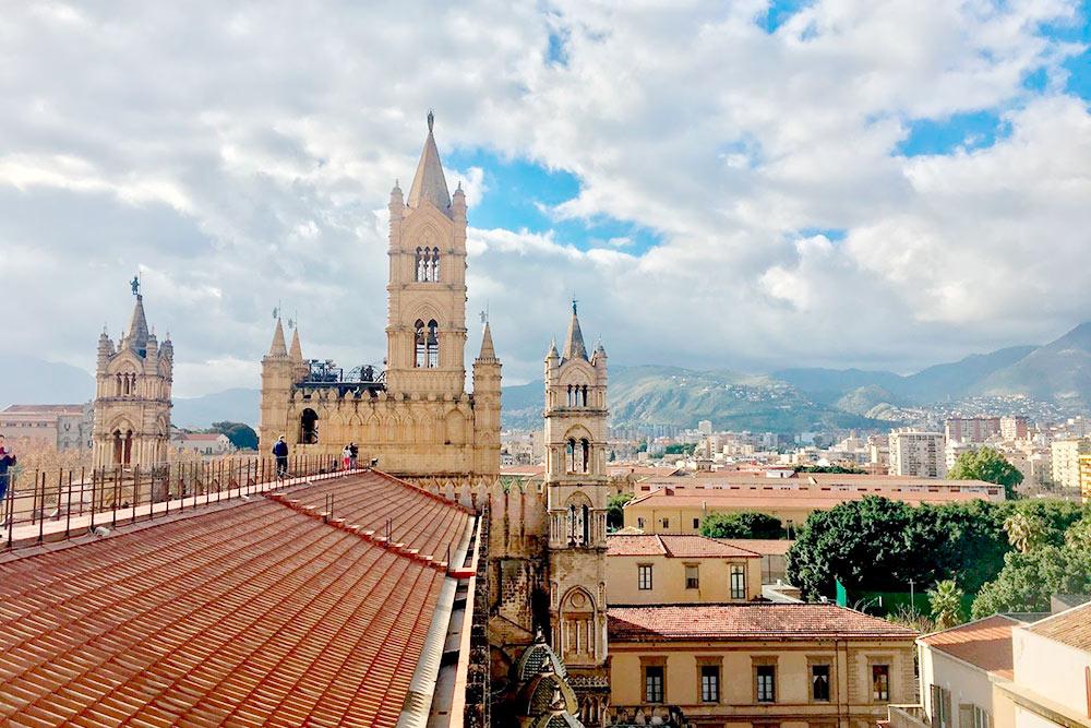 Виды скрыши собора вПалермо определенно стоят своих 5€