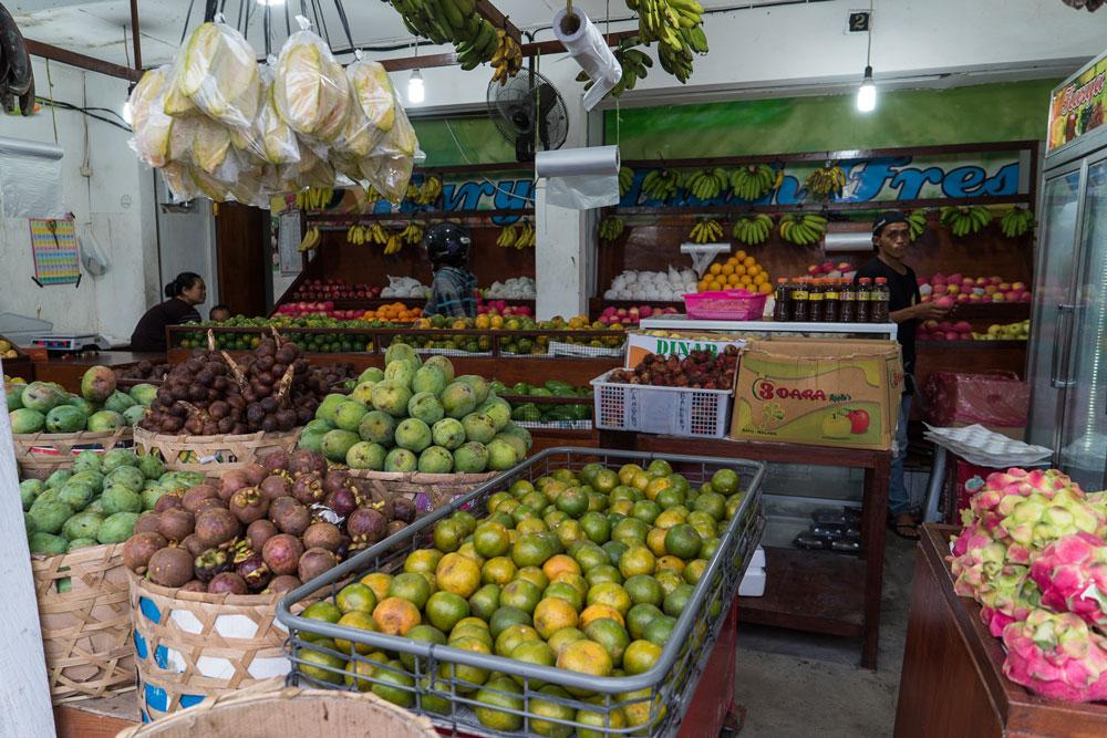 Фруктов на Бали огромный выбор круглый год, и все дешевое