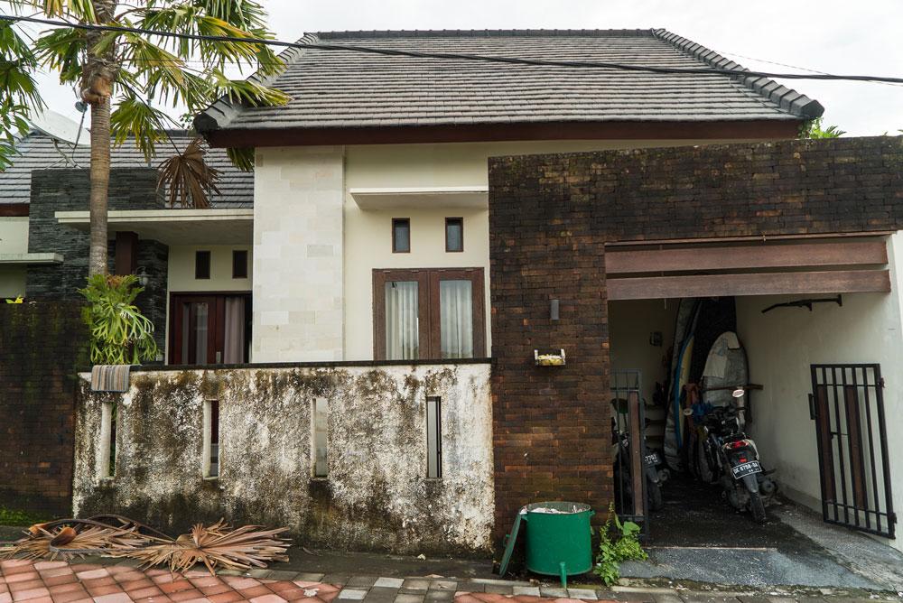 Это мой дом в районе Чанггу: 2 спальни, кухня, ванная комната и большая веранда на втором этаже