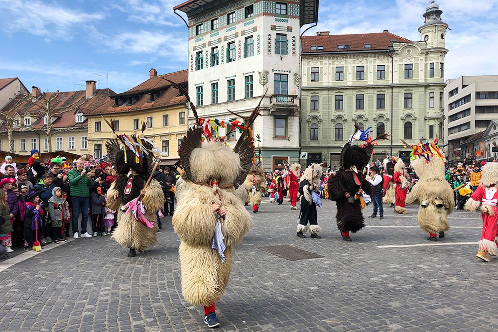 В Словении тоже есть свой карнавал и местные «проводы зимы»